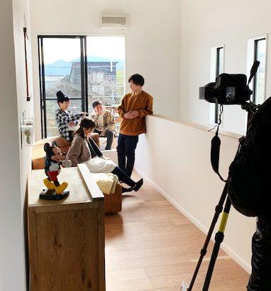 姶良市帖佐小学校近く モデルハウス UNroutine works 5LDK 撮影がありました。