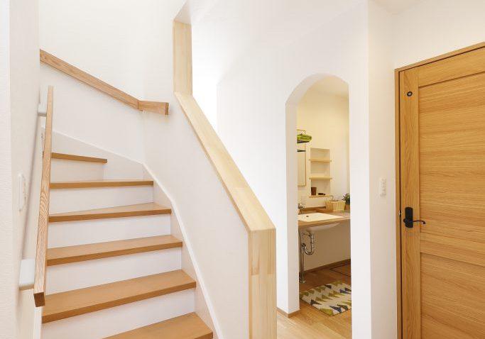 ジブンハウス810アリビオファムエディション:階段